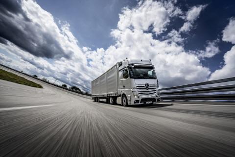 메르세데스-벤츠 뉴 악트로스, 2020 올해의 트럭 선정