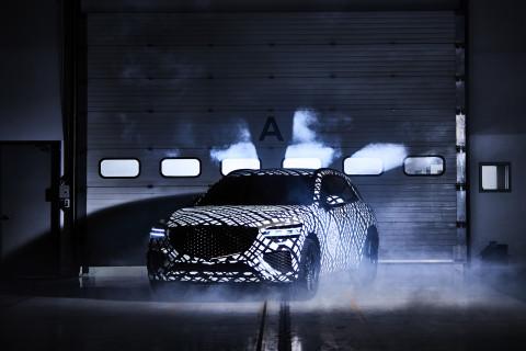 제네시스, 지-매트릭스 패턴으로 감싼 GV70 공개